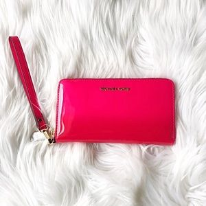 Michael Kors Pink Wallet✨Brand New!